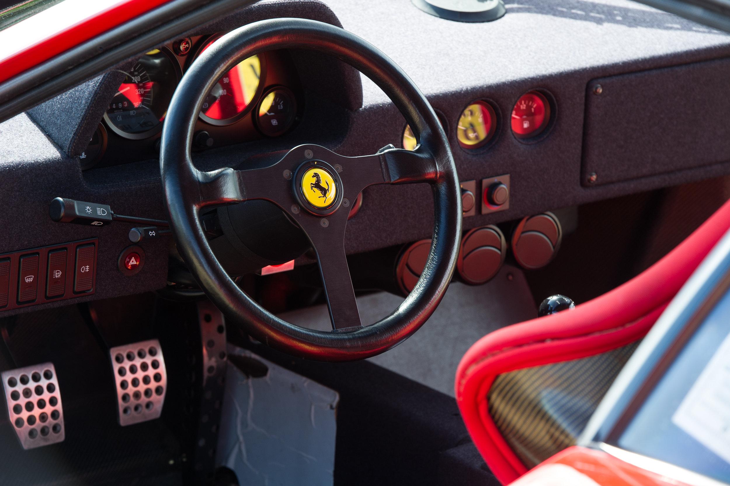 Ferrari F40 (25).jpg