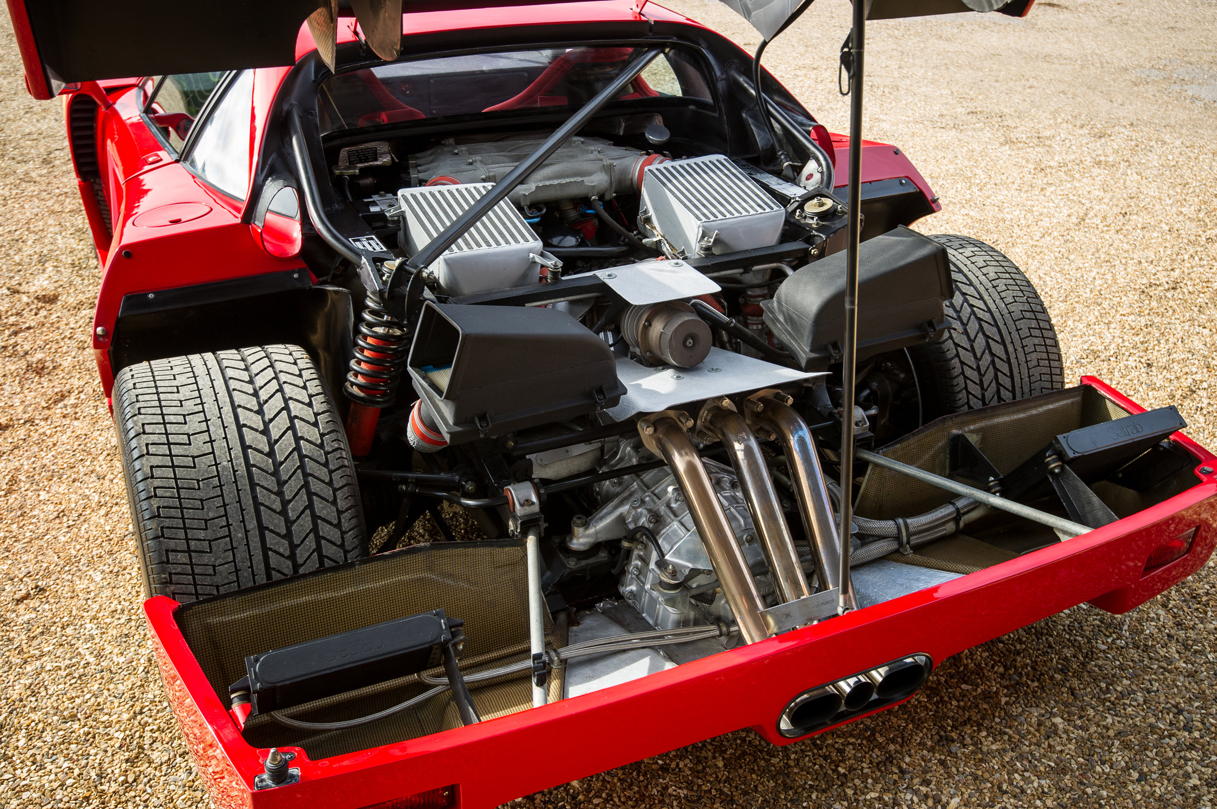 Ferrari F40 (1).jpg