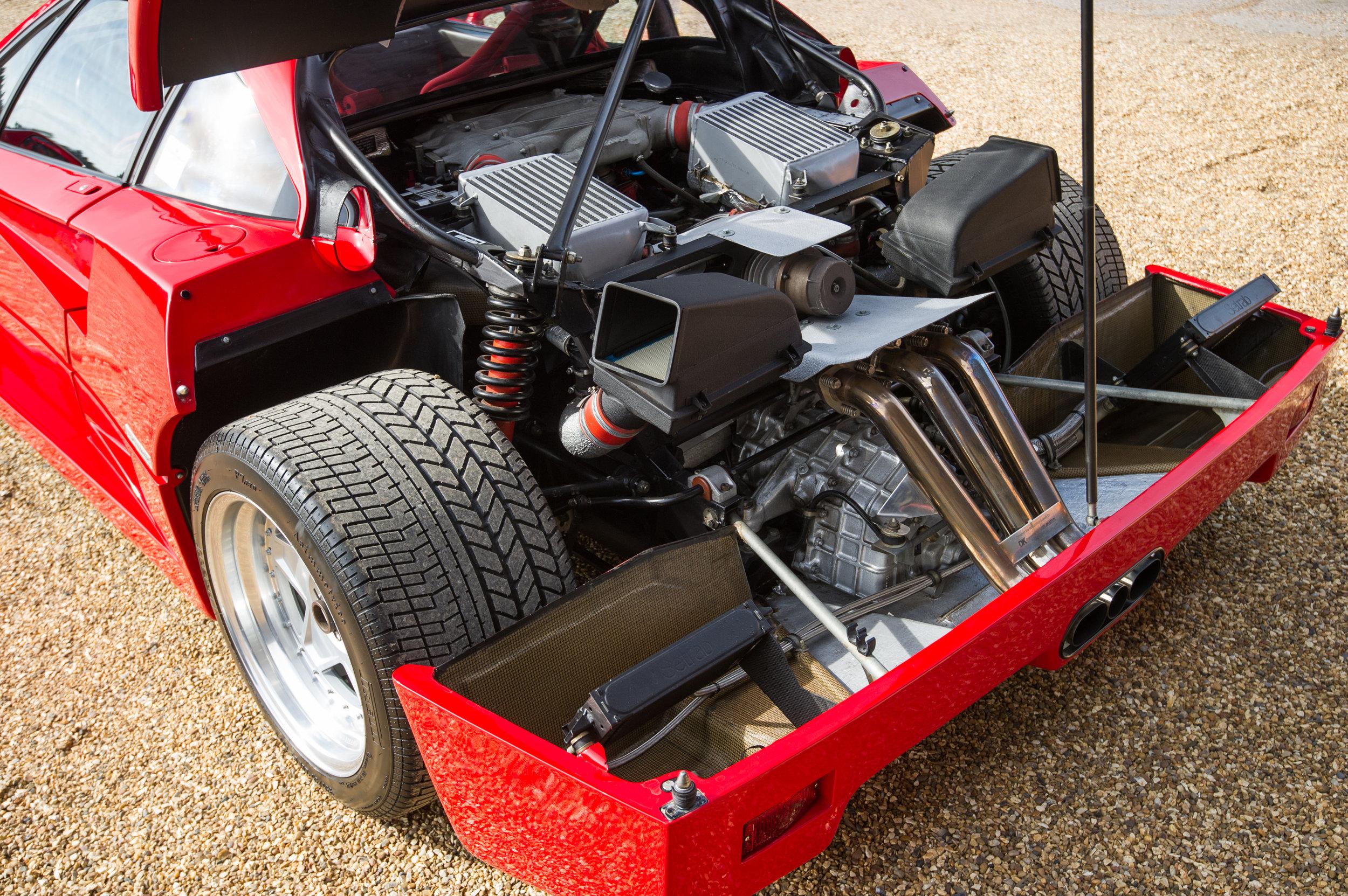 Ferrari F40 (2).jpg