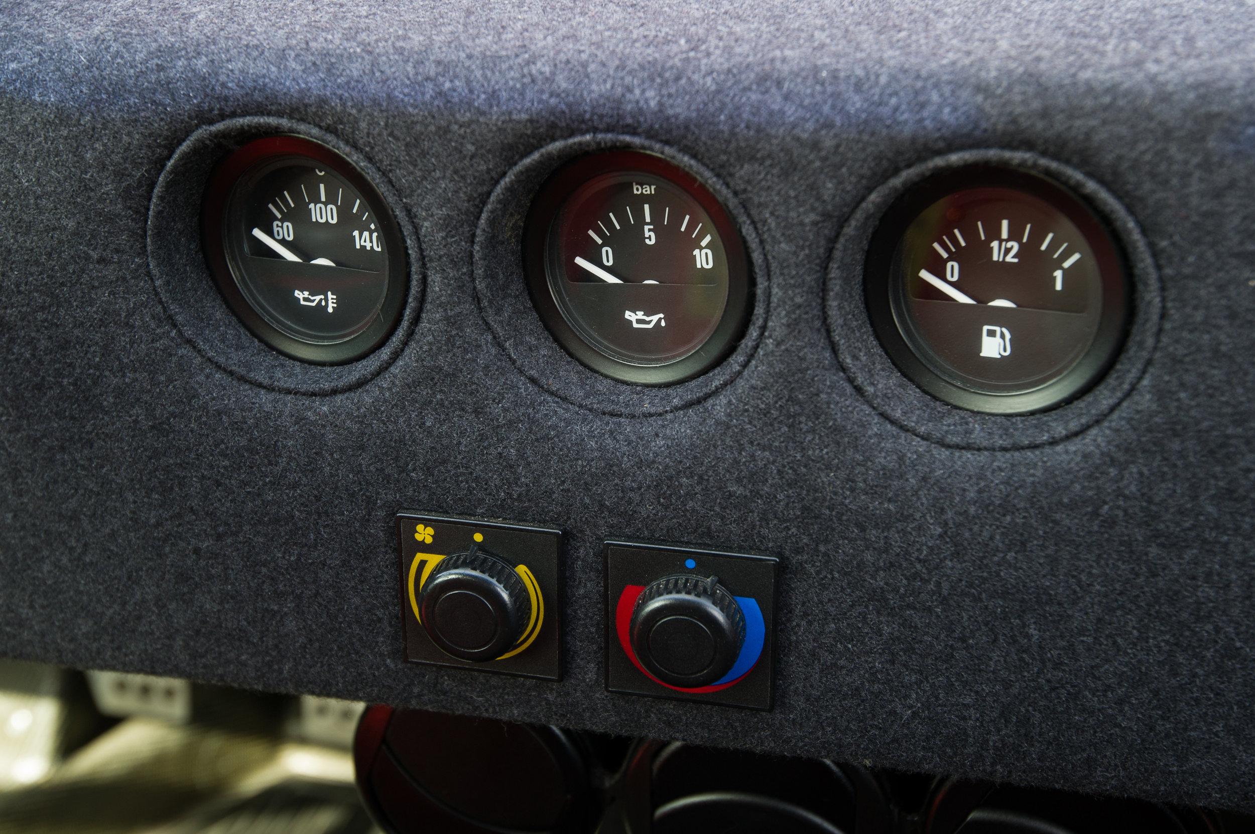 Ferrari F40 (6).jpg