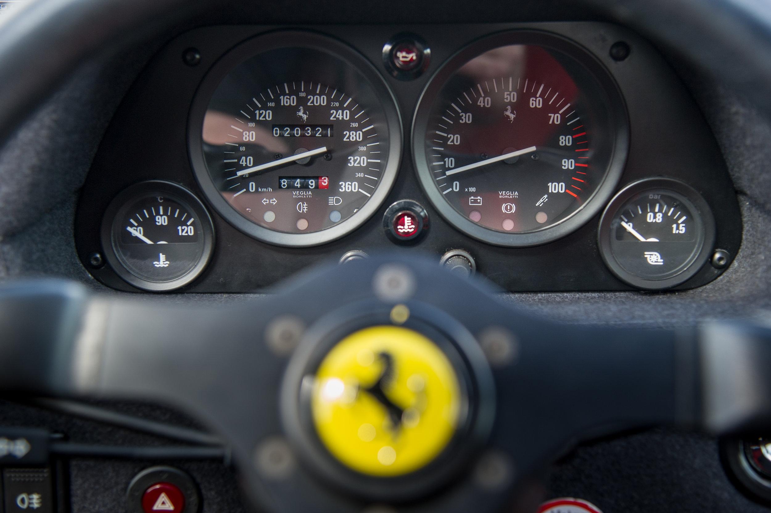 Ferrari F40 (11).jpg