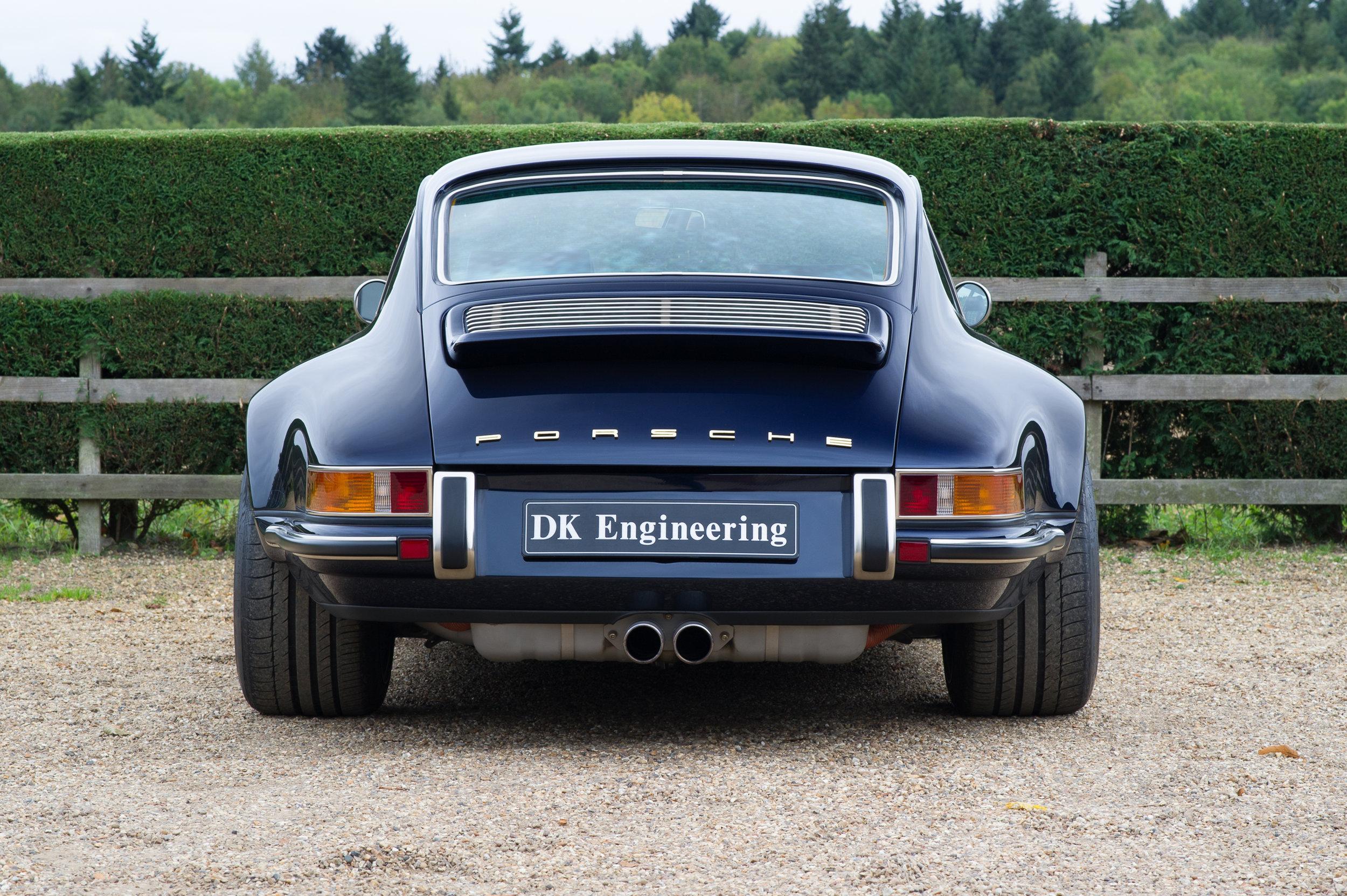 Porsche_911_Singer_4.jpg