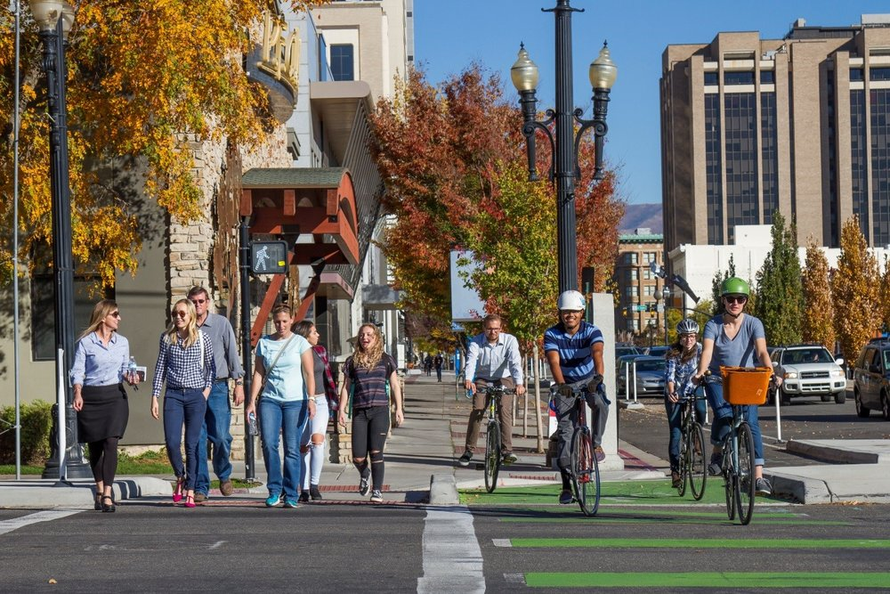 300 SOUTH & 300 WEST PROTECTED BICYCLE INTERSECTION, SALT LAKE CITY | PHOTO CREDIT: WASATCH FRONT REGIONAL COUNCIL