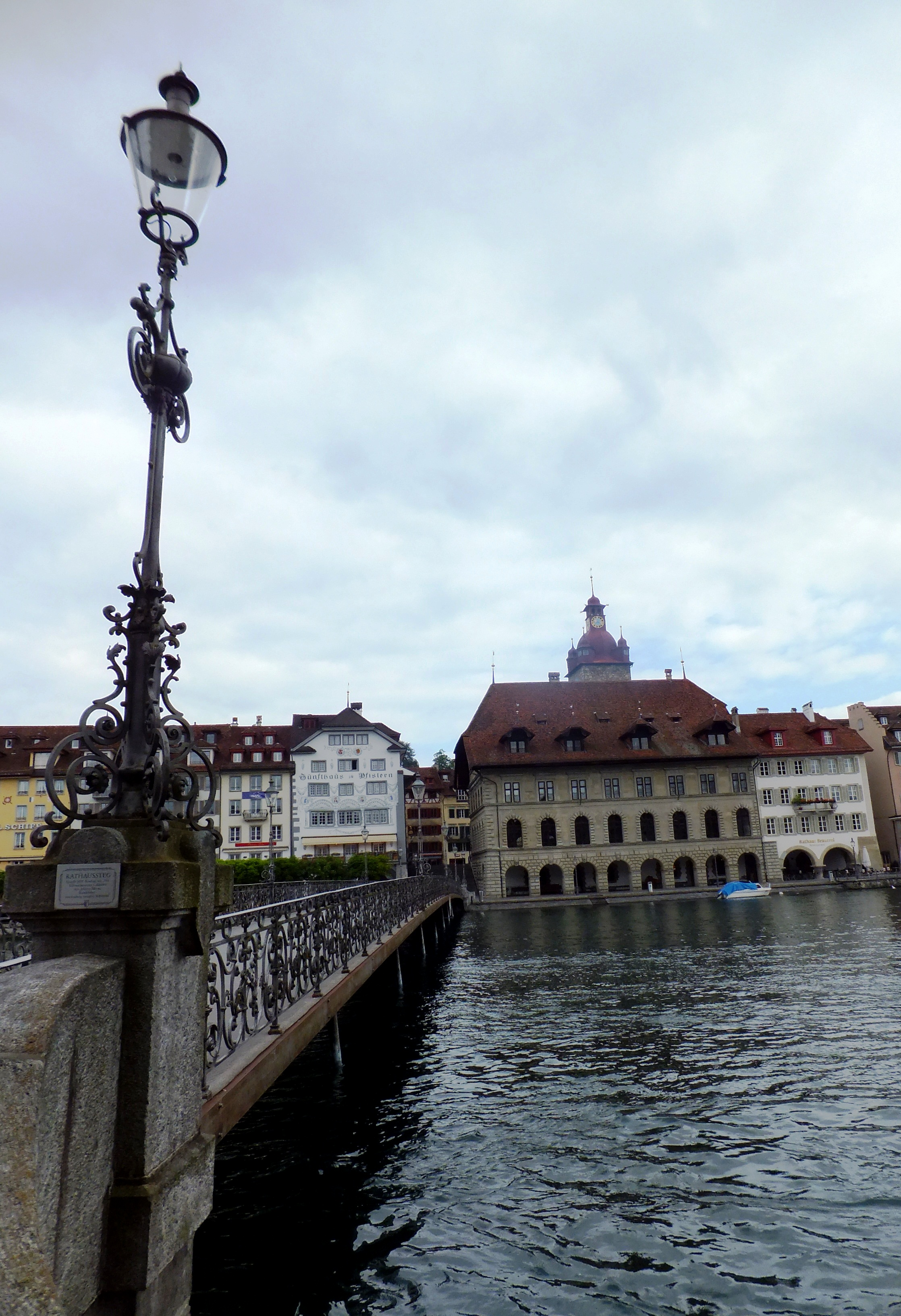 DSCF4118 Rathaus Bridge
