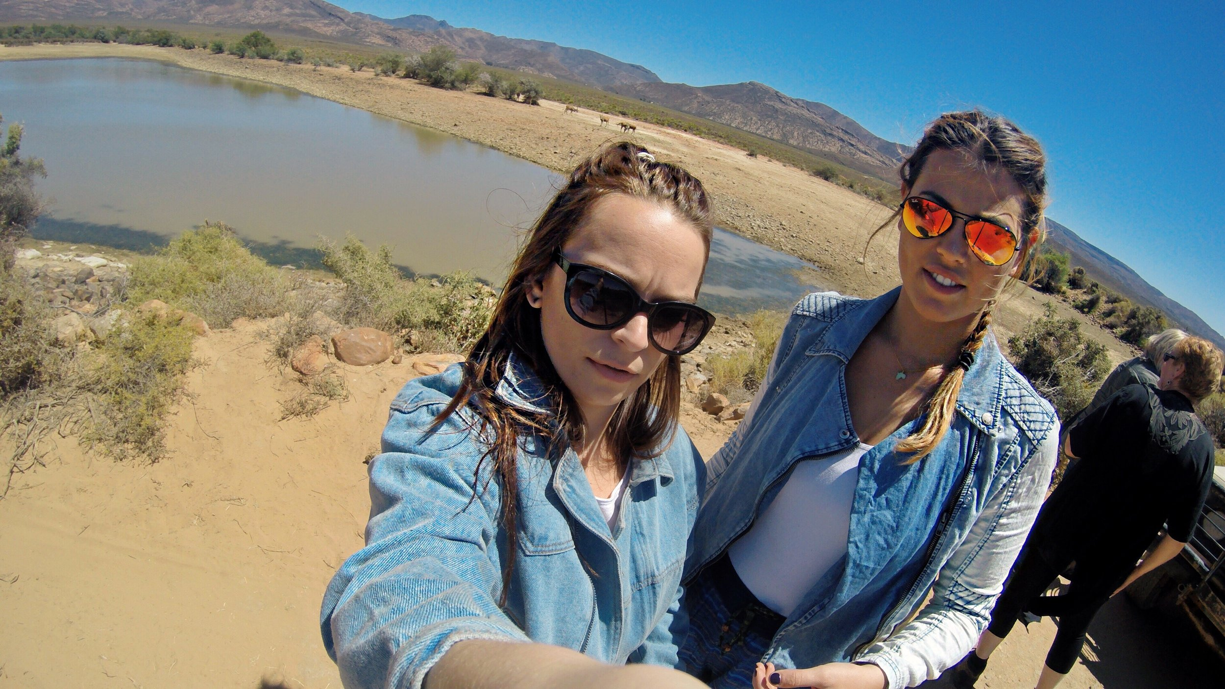 two girls walk into cape town not knowing how to use a gopro..