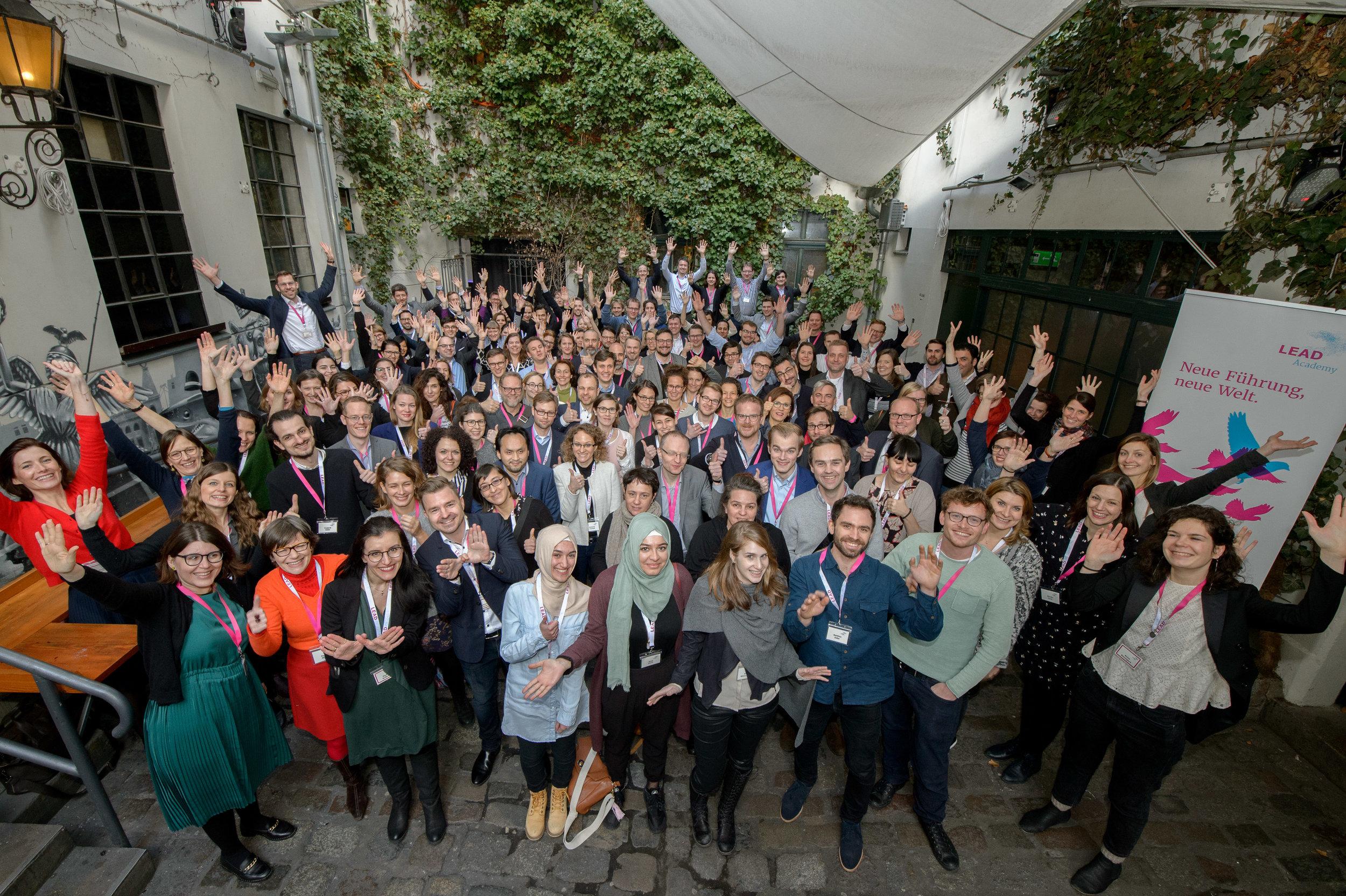 lead-community-summit-2018-group-photo-participants.jpg