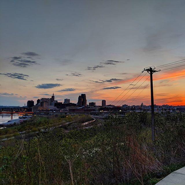 Loving this #mysaintpaul #sunset . #minnesota #cityscape #capturesaintpaul #downtown #twincities #saintpaul