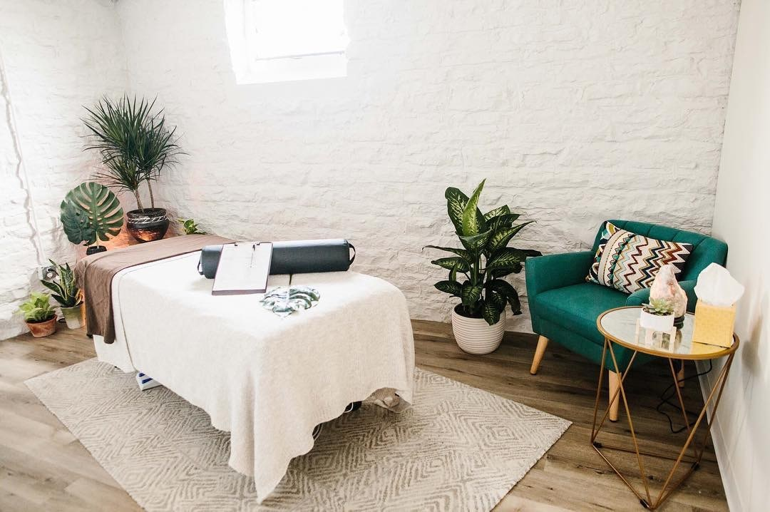 massage-studio-min.JPG