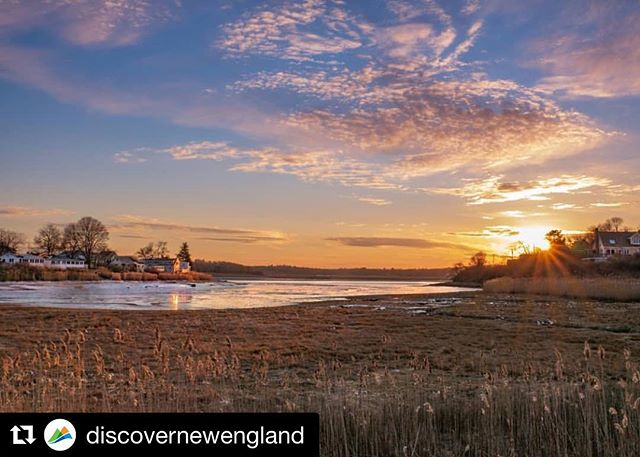 #Repost @discovernewengland with @get_repost ・・・ While the weather may still be a little chilly, the setting sun makes this scene of Ipswich, Massachusetts, much cozier. #visitnewengland 📸: @kersi_in_newengland