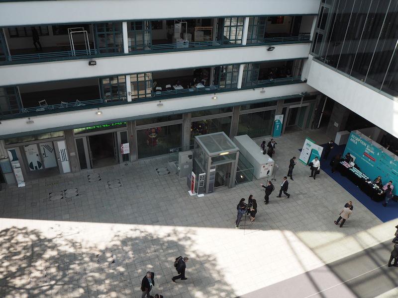 Vista del Market Place desde uno de los bloques del edificio