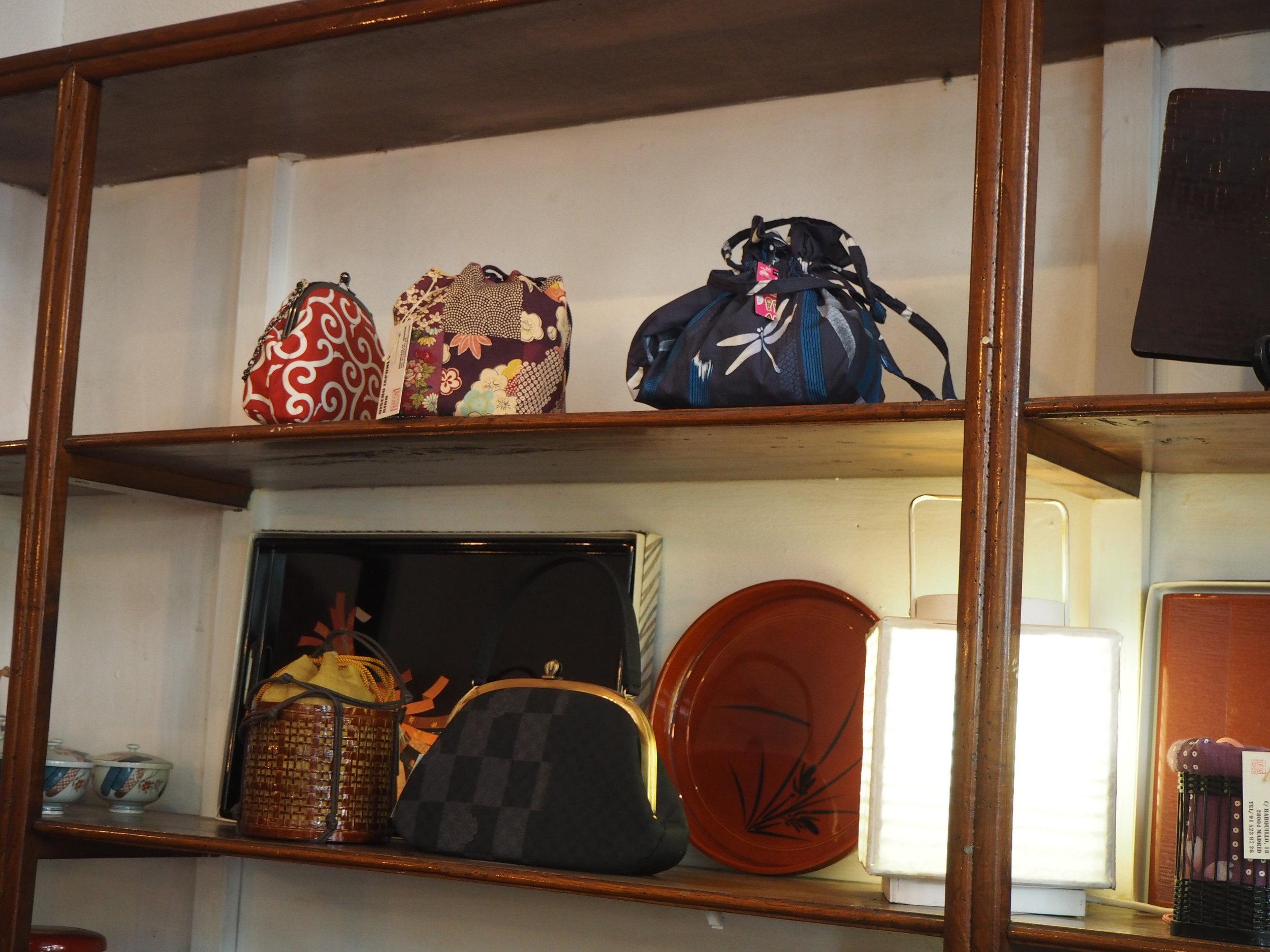 ropa-japonesa-madrid-gion-bolsos.JPG
