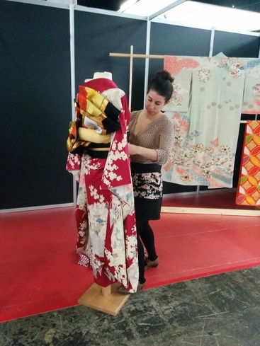 exposicion-ropa-japonesa-feria.jpg