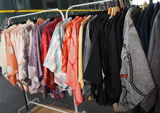 tiendas-japonesas-online-chaquetas-mercado.jpg
