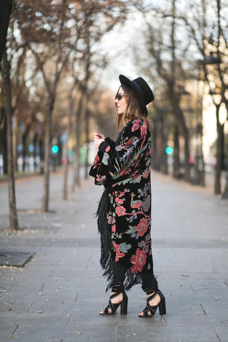 blogueras-moda-espanola-peeptoes-kimono.jpg