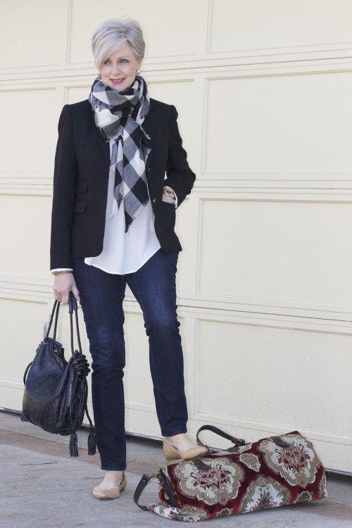 moda-mujeres-50-chaqueta-negra.jpg