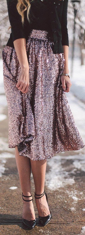 ropa-salir-noche-mujer-fiesta-falda-brillante.jpg