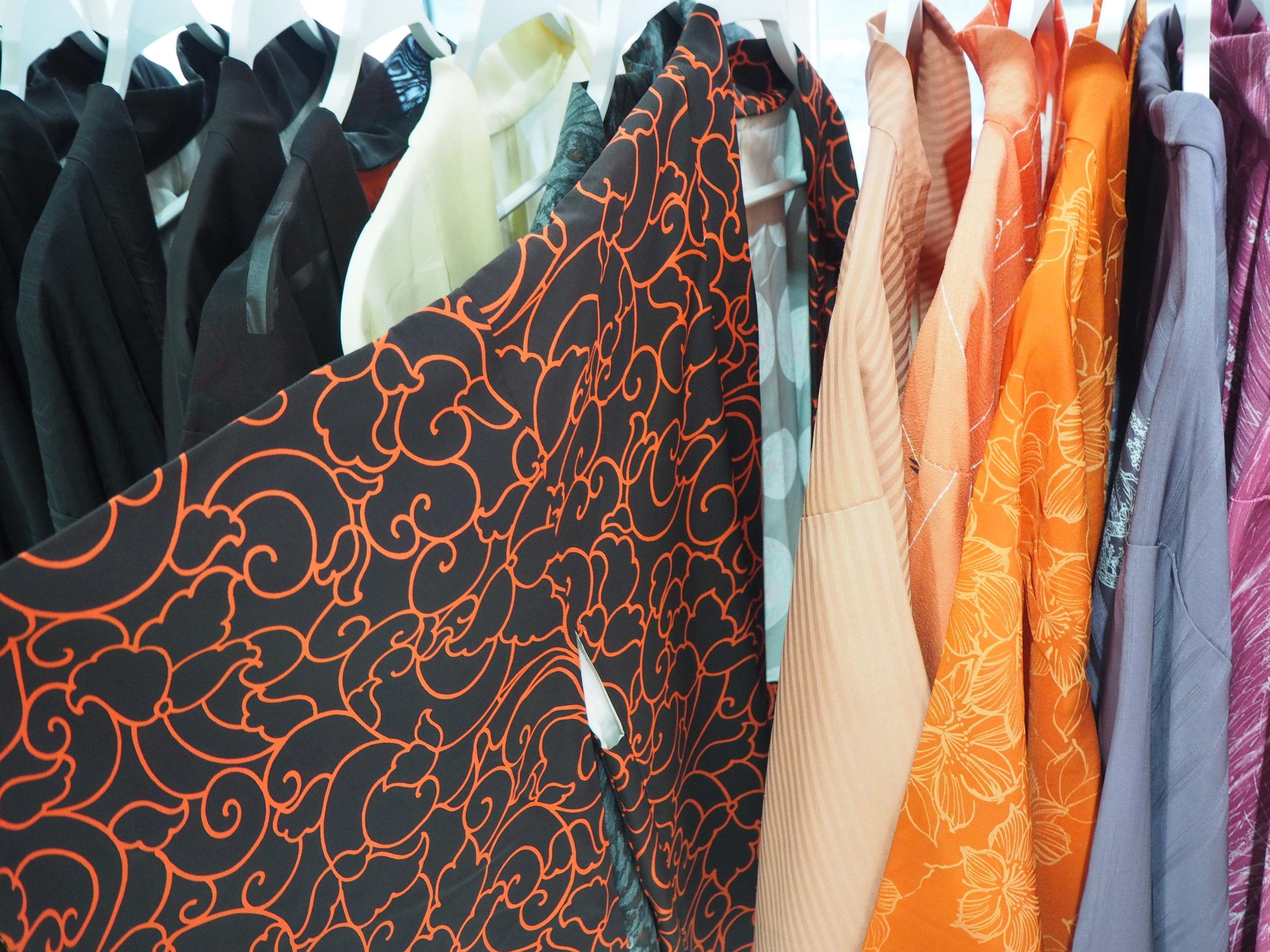 tiendas-ropa-madrid-originales-kimonos-cortos.JPG