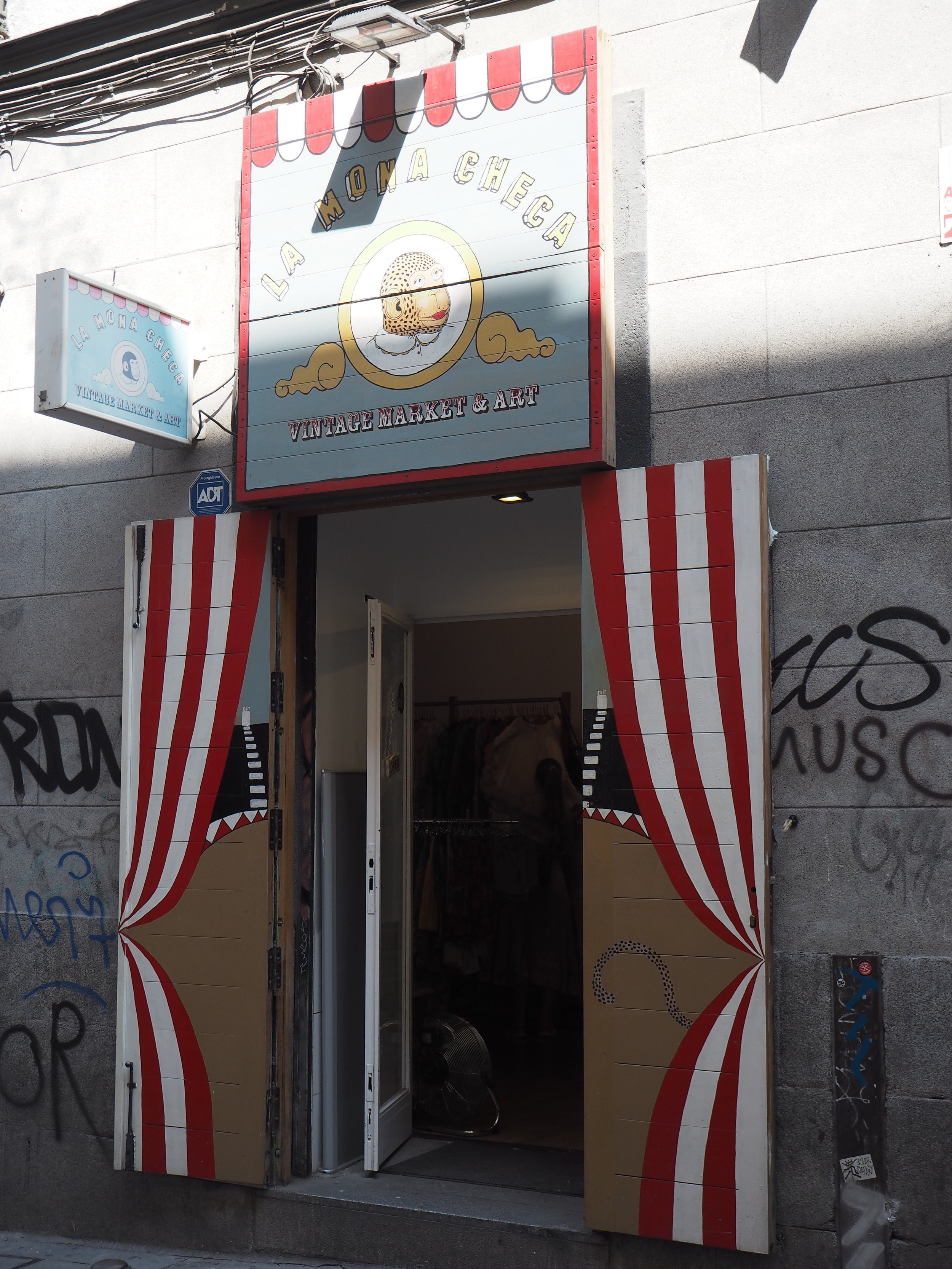 tiendas-ropa-madrid-originales-mona-checa.JPG