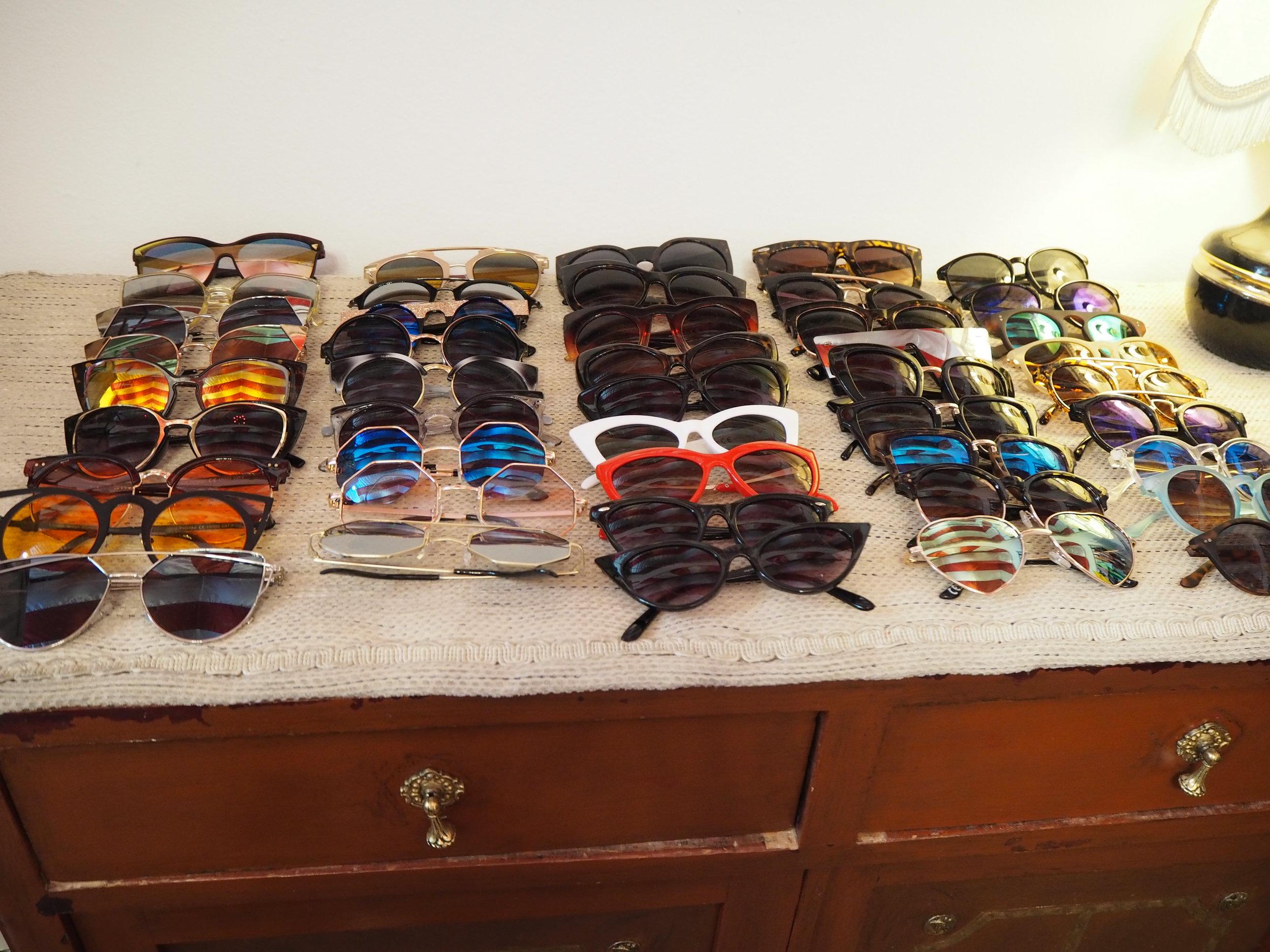 tiendas-ropa-madrid-originales-mona-checa-gafas.JPG