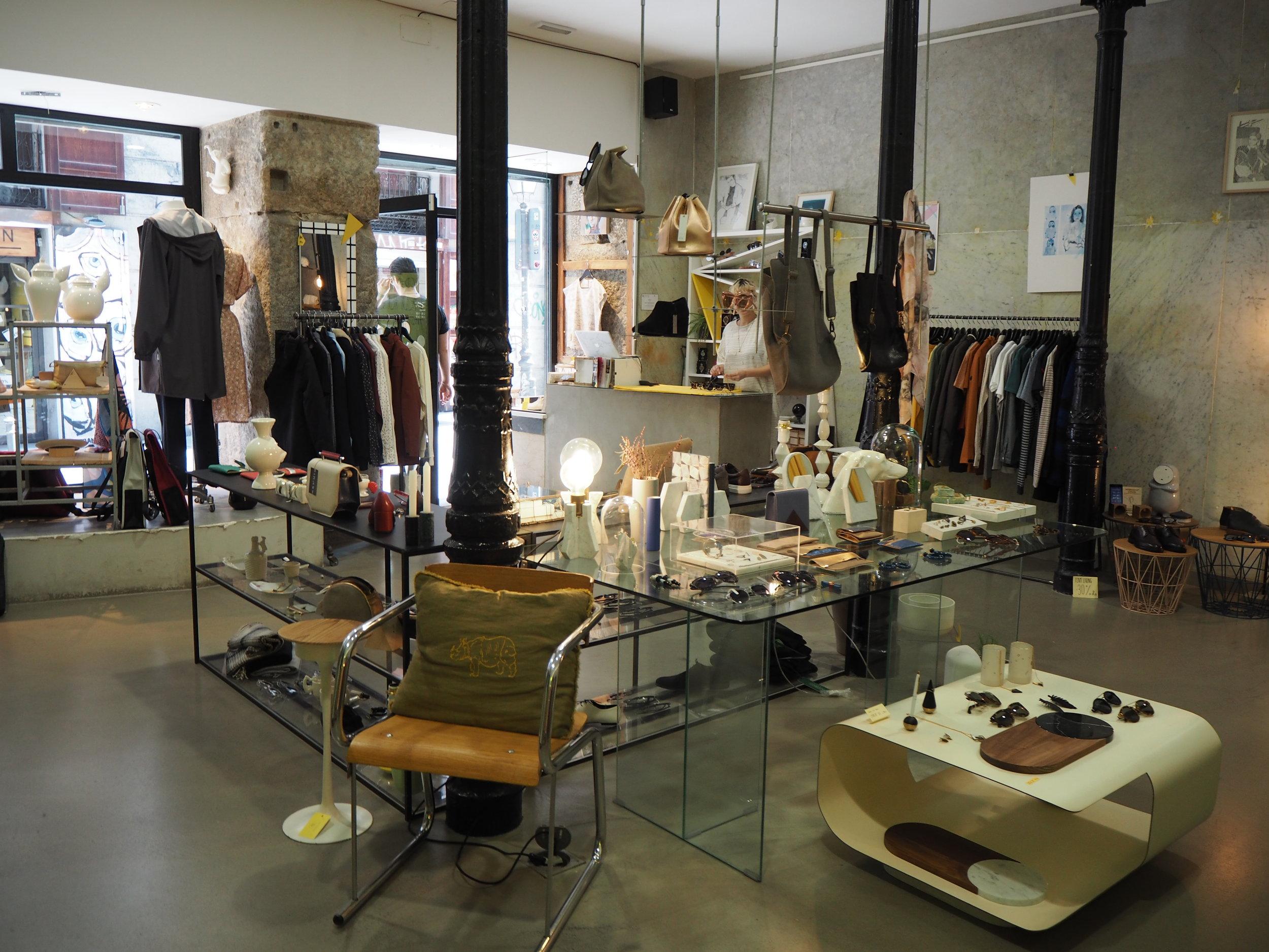 tiendas-ropa-madrid-originles-rughara-interior.JPG