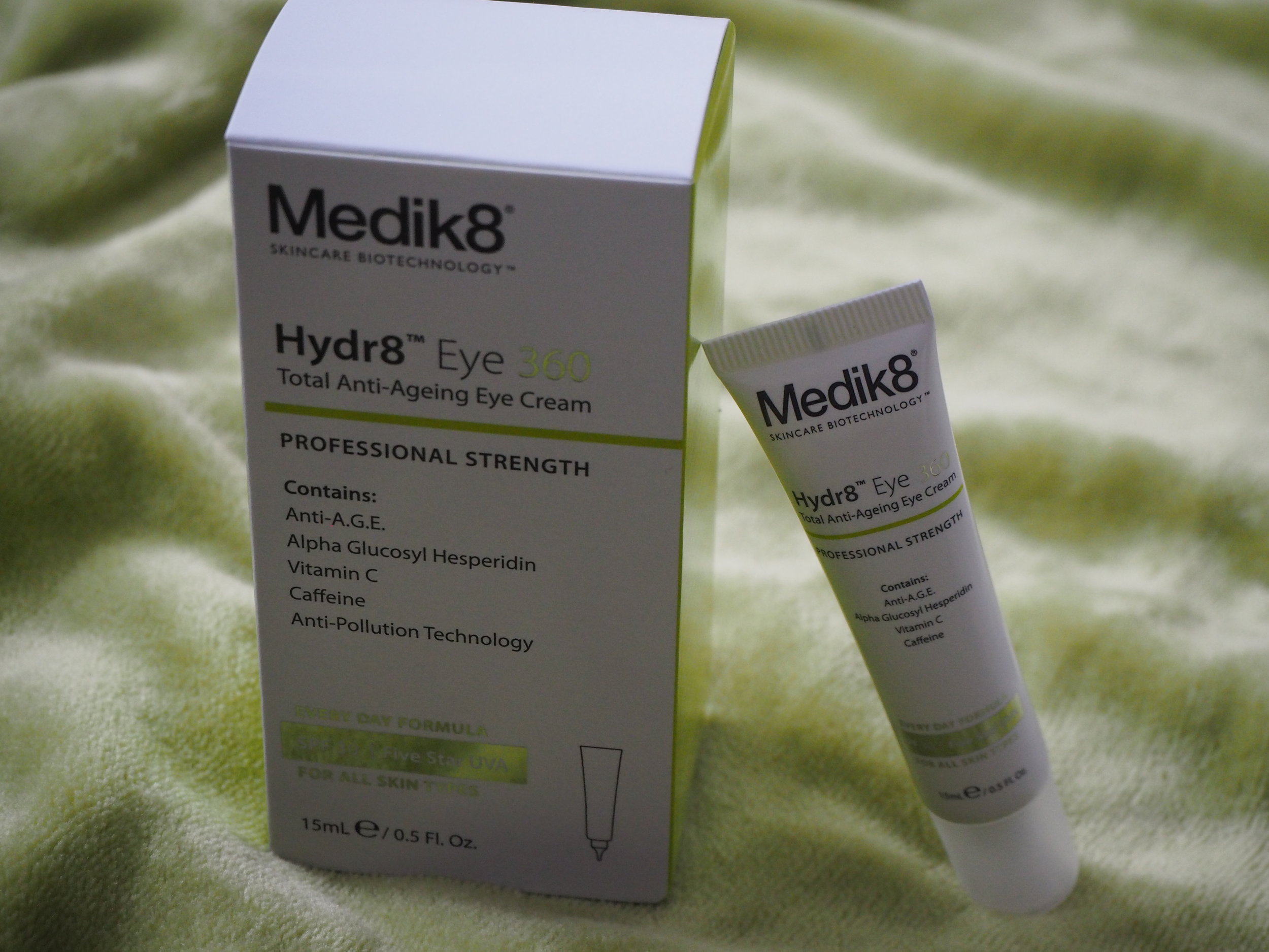 medik8-crema-contorno-ojos.JPG