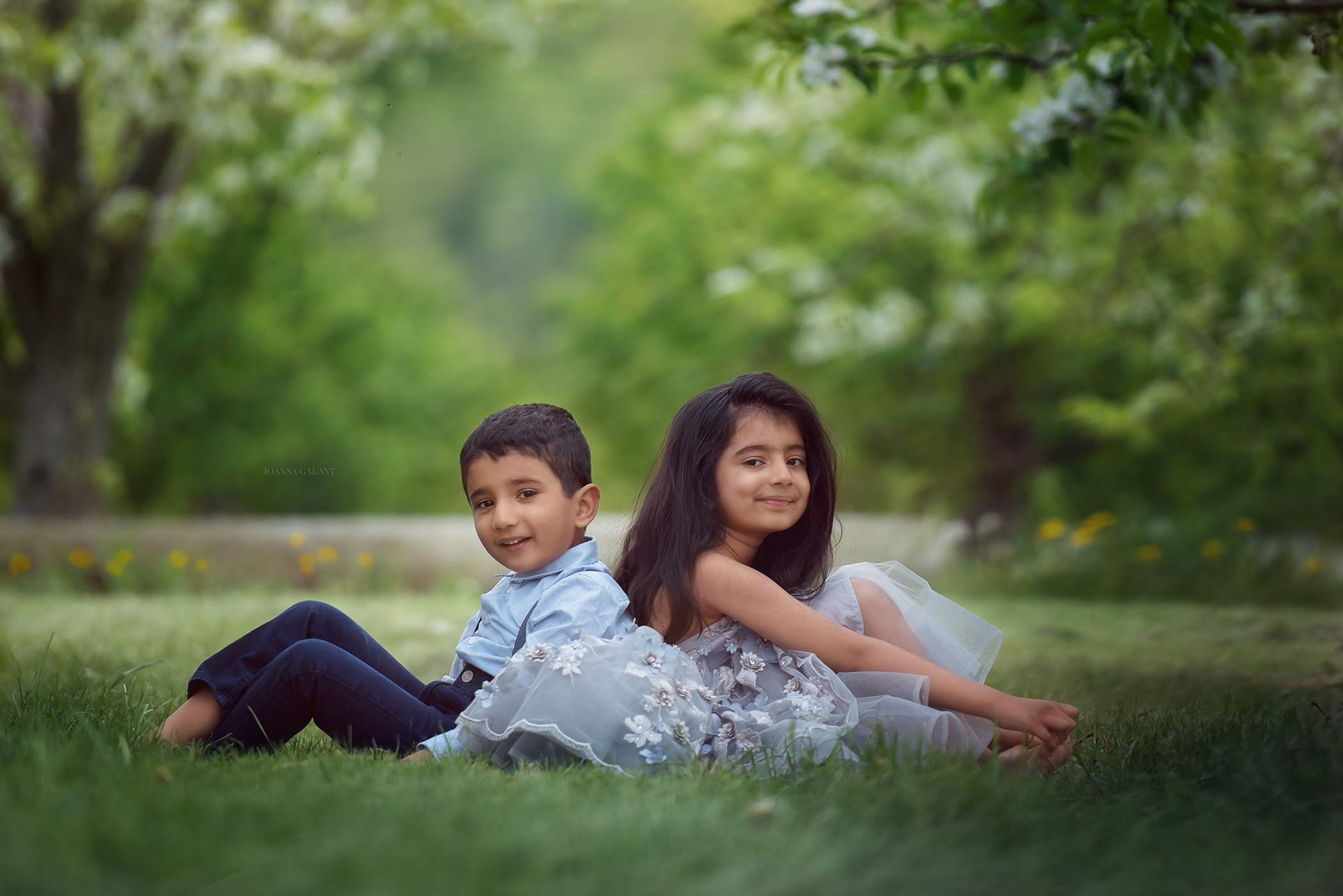 SIBLINGS, APPLE ORCHARD