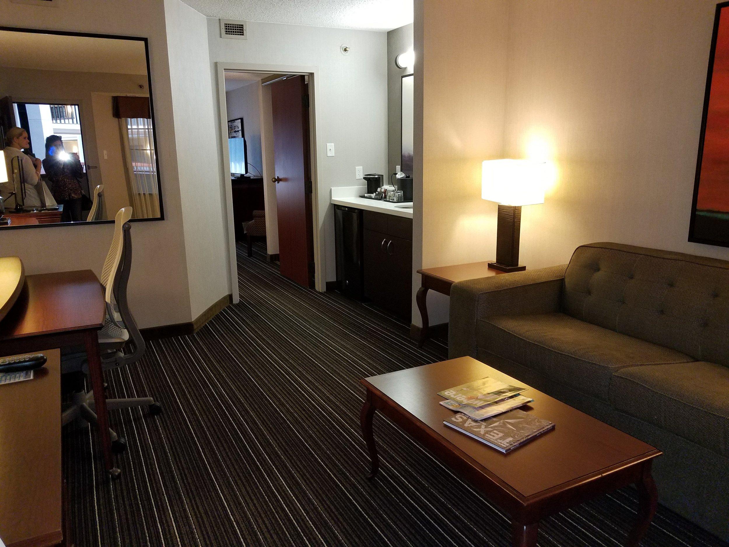 Guestroom Suite.03.jpg