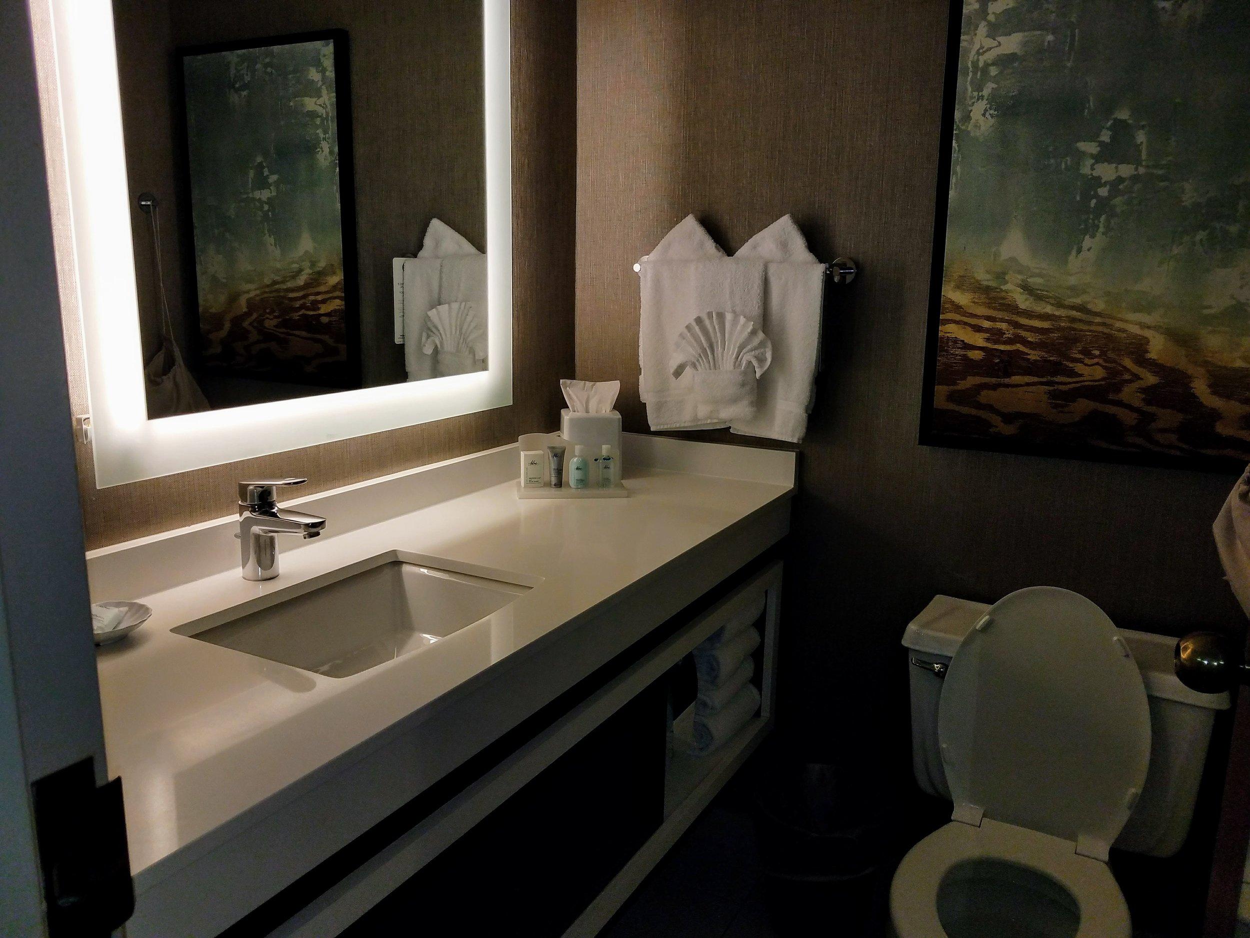 Guestroom Suite.02.jpg