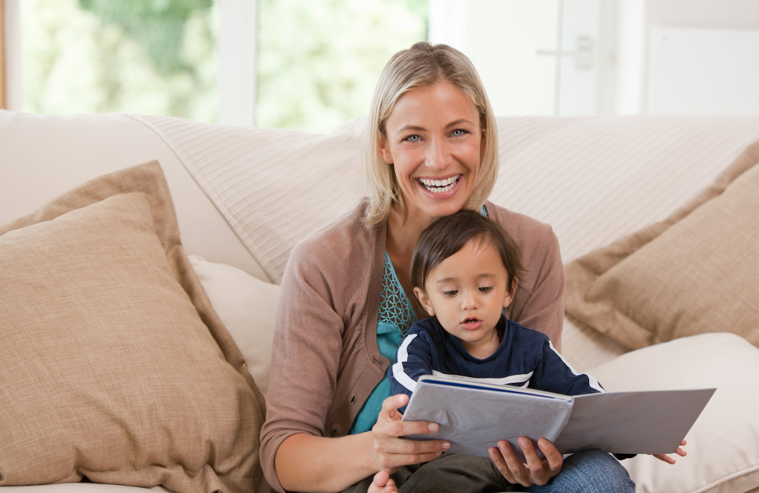 Looking for a Nanny? - Nanny RatesThe non-refundable fee to begin your search is $200 for a nanny. Once a desired applicant is chosen by the family a $500 placement fee is collected after a one week trial period to ensure your nanny is in fact the perfect fit. There is a 6 month replacement policy should you need a new nanny. Nanny salaries are negotiated throughout the application process. Families pay the nanny directly. The typical rate is $12-$25 an hour for live out and $400-$1000 a week for live in.