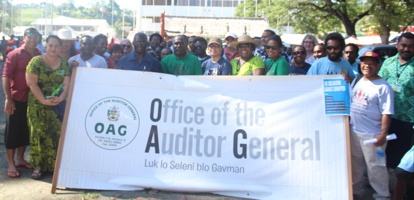 """Pacific Auditors participated in the """"Walk Against Corruption"""" to celebrate International Anti-Corruption Day 9th December 2016 with OAG Solomon Islands. Photo taken with Solomon Islands Honourable Prime Minister and Auditor General of Solomon Islands"""