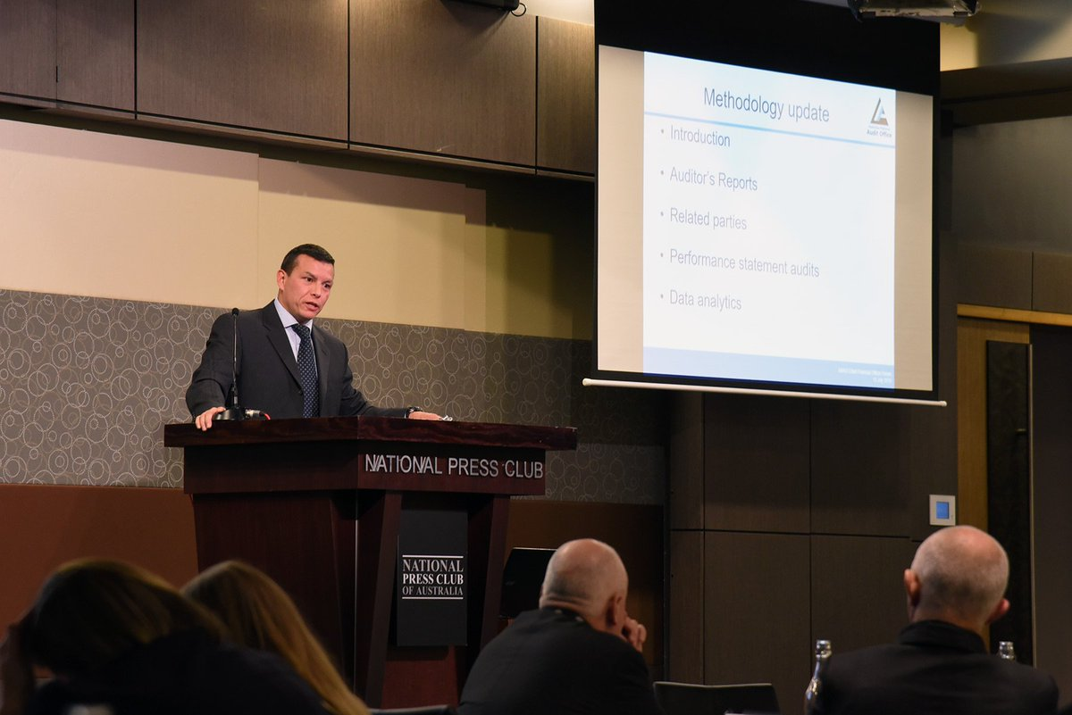 Ian Goodwin presenting at National Press Club.jpg