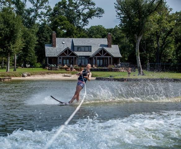 Jen skiing.jpg