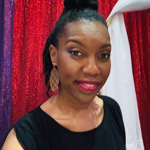 I truly enjoyed @theboujiebrand and The Boujie Brunch Affair. I was so nervous speaking that I forgot my glasses at home! 🤦🏾♀️ But I so enjoyed @kodesigns4u @doegirlnezz @thesharethanicole and @kattdaboss sharing their stories of empowerment. . . #bookbusy&blessed #boujiebrunchaffair #jwarddesign #designingbossbrands #sayyestosuccess #buildingbossladies #womenruntheworld