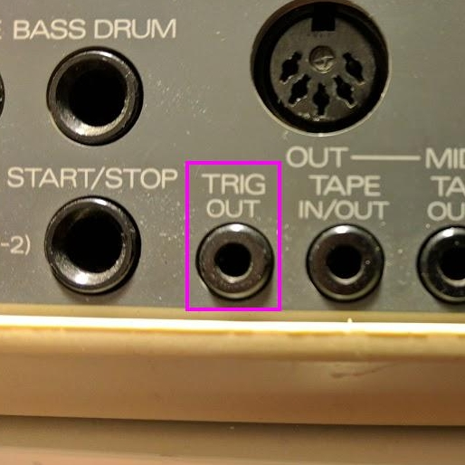 TR-626 TRIG OUT