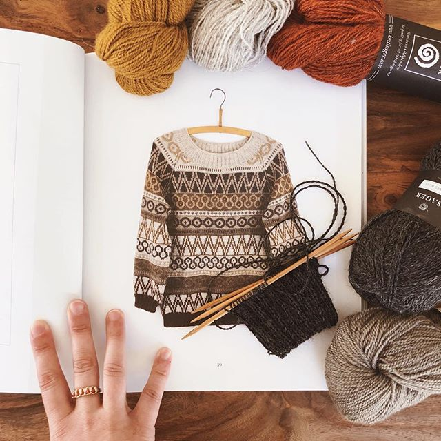 Cast on this amazing @isageryarn sweater on Thursday as part of the @knit1chgo Colorwork Knit-Along. Definitely stressing about color order but very excited to see it finally come to life!⠀ ⠀ ⠀ ⠀ #isager #hønsestrikinspiration #knitting #handknit #knittersofinstagram #colorwork #handknit #handmadewardrobe #slowfashion #jbeeknits #jbeehønsestrik