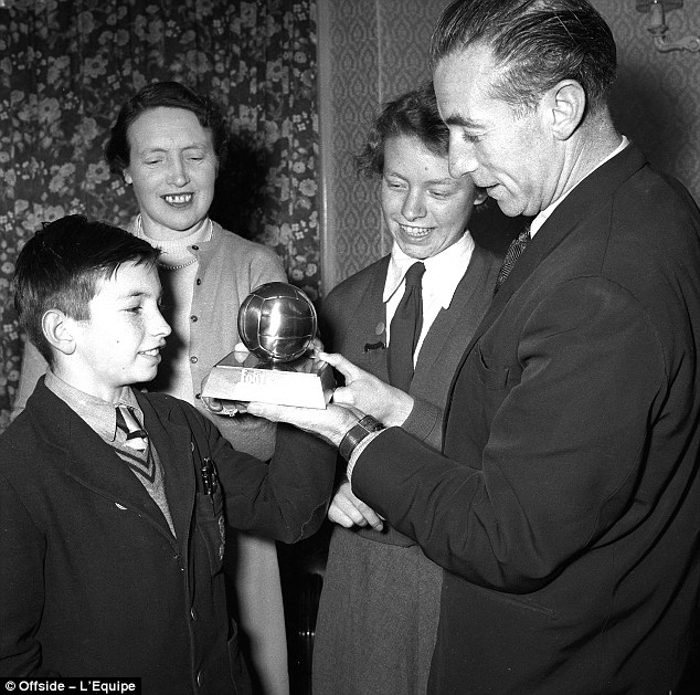 The first Ballon d'Or (from left:Stanley Junior, Betty, Jean, Sir Stan