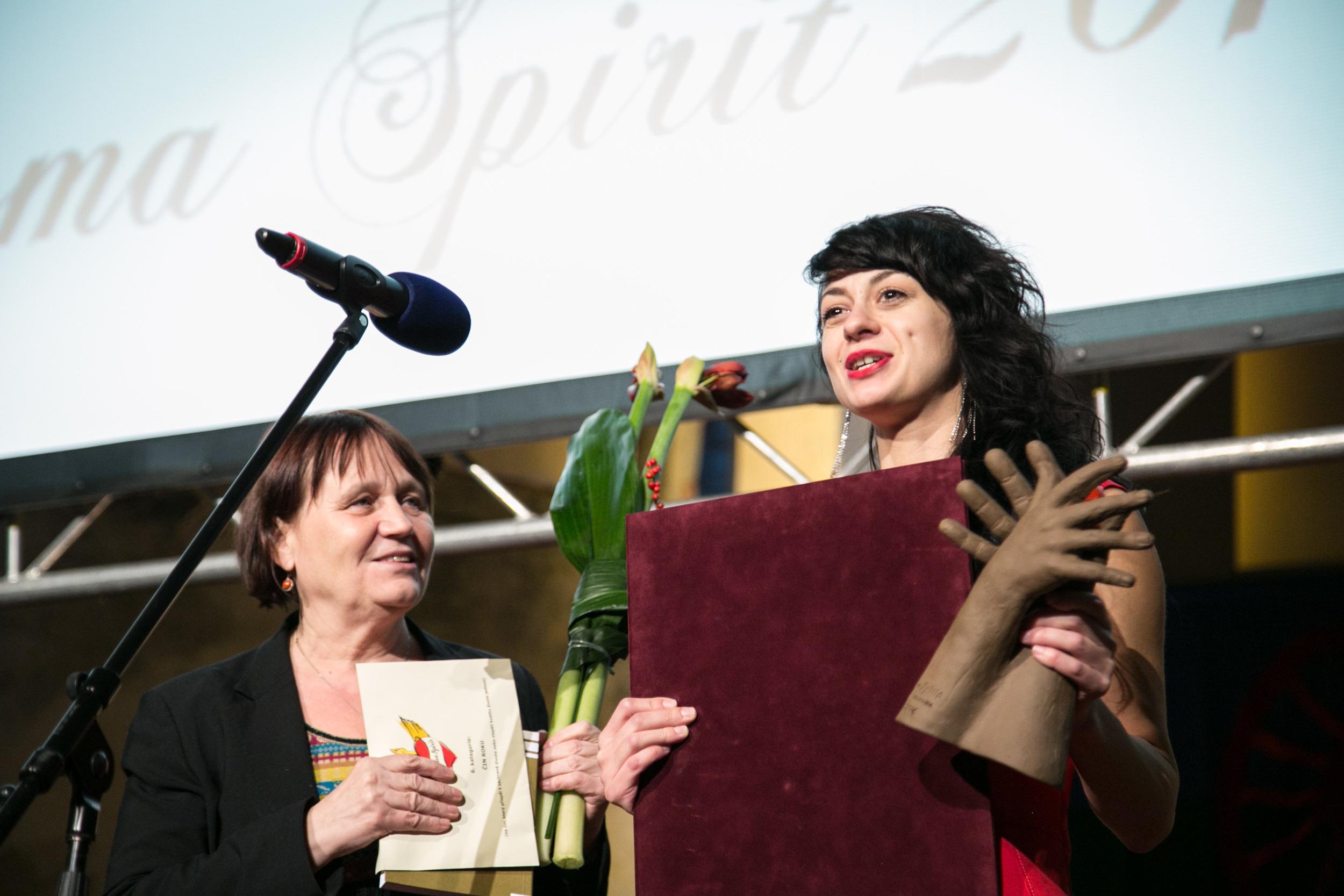 Pavlína Hůževková získala cenu za duchapřítomný zásah, jímž zachránila život novorozence.