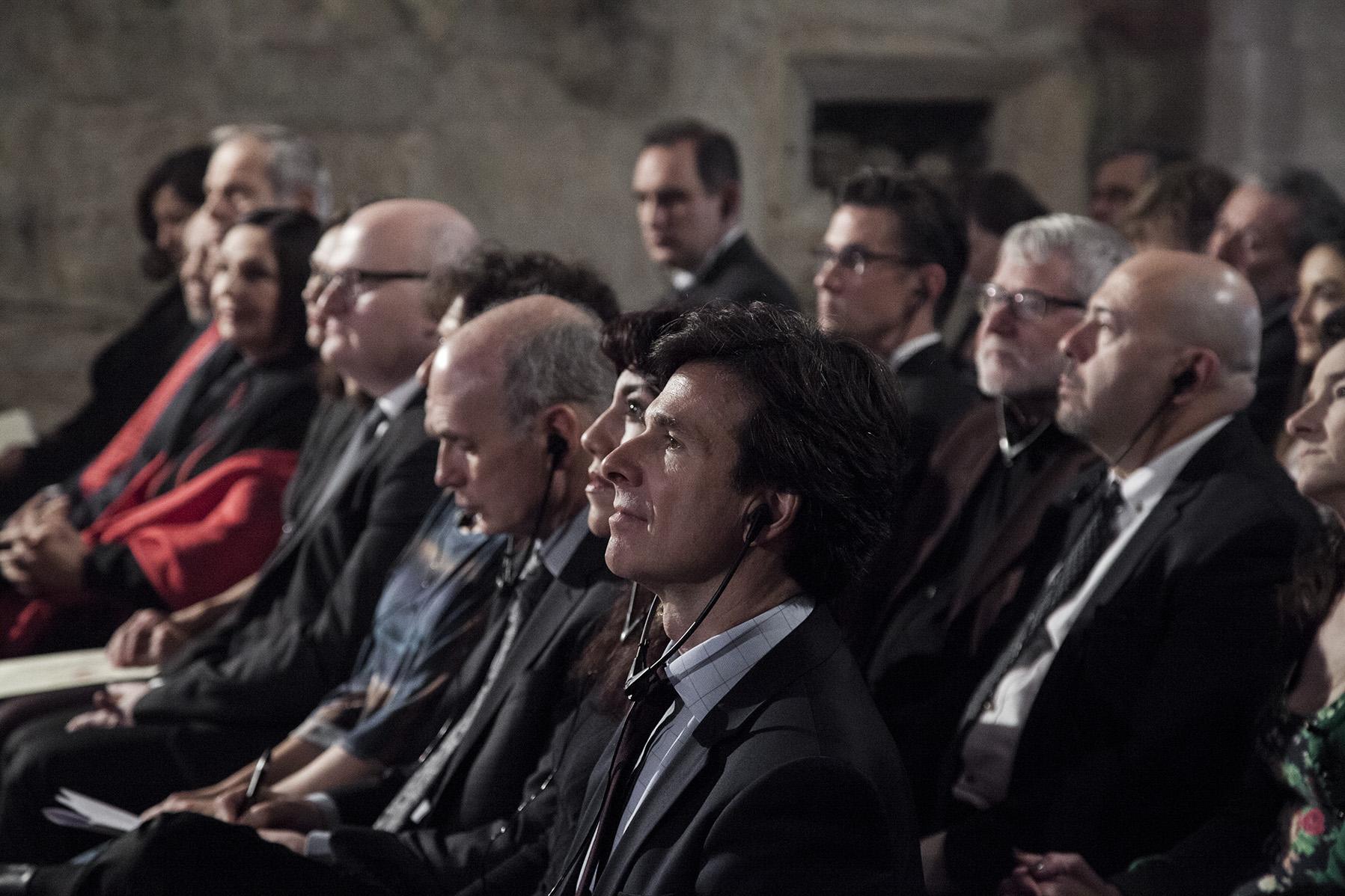 Hosté, (1. řada zprava): J.E.p. Andrew Schapiro, Oksana Marafioti, Daniel Bader, Linda Bader, Daniel Herman (ministr kultury), Lubomíra Slušná Franz, Karel Holomek, Lucie Fuková Horváthová