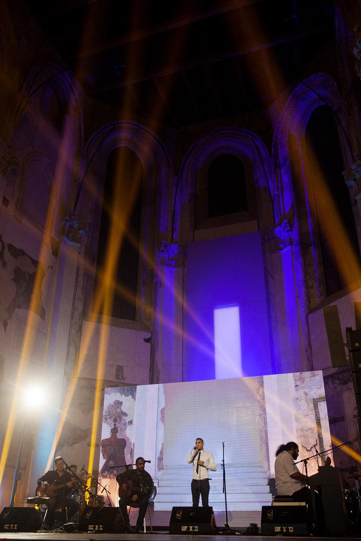 Během večera zazpíval Igor Berko za doprovodu Mária Biháriho a kapely Bachtale Apsa.