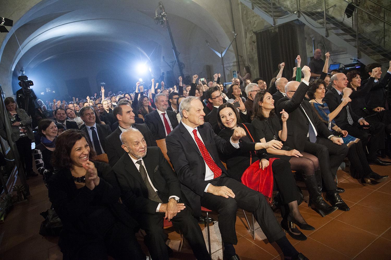 Partneři, členky a členové hlavní poroty a hosté.