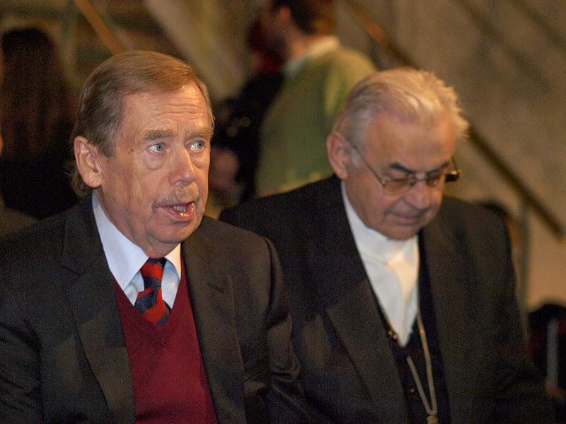 Václav Havel a Kardinál Miloslav Vlk.