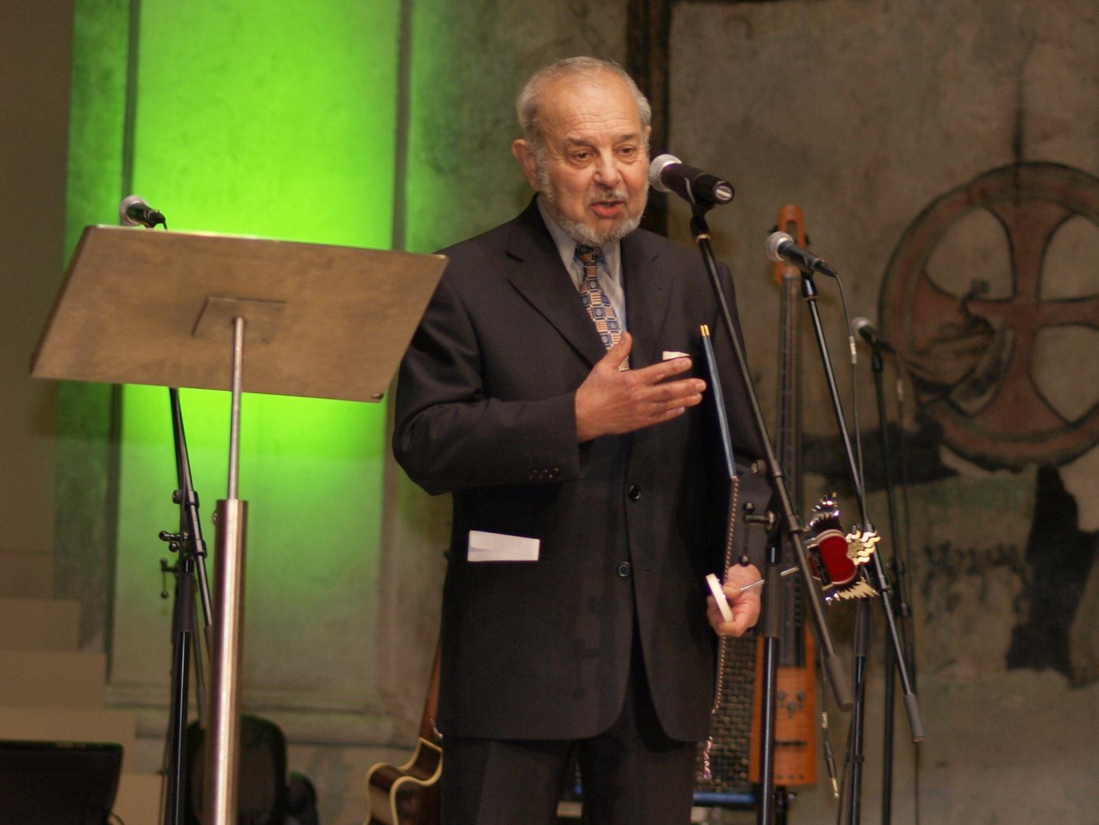 Pan Karel Holomek převzal cenu za Muzeum romské kultury v kategorii Společnost/Firma/Zaměstnavatel.