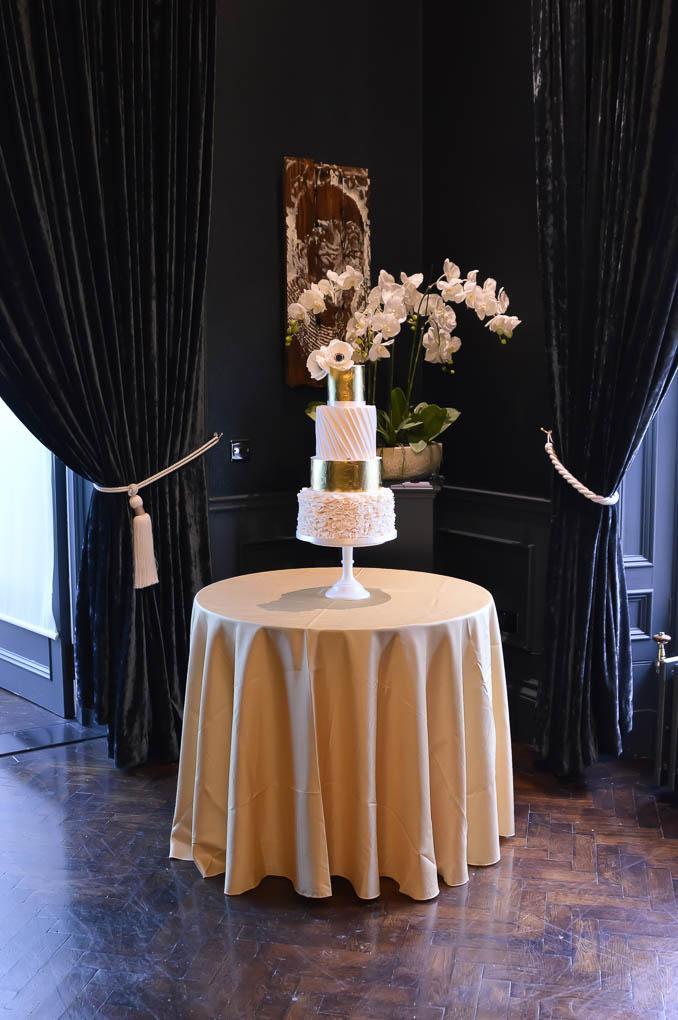 Lucy and Thomas wedding cake.jpg