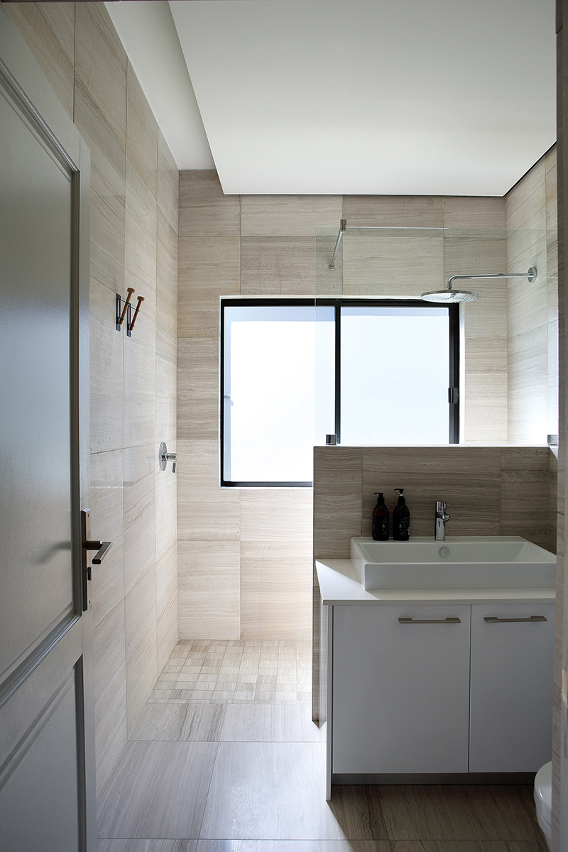 hg_guestbathroom.jpg