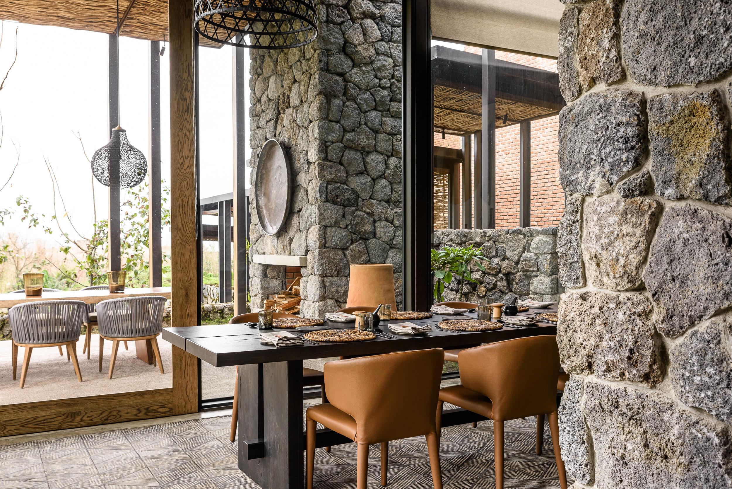 Singita-Kwitonda-Lodge-Dining-Area-3.jpg
