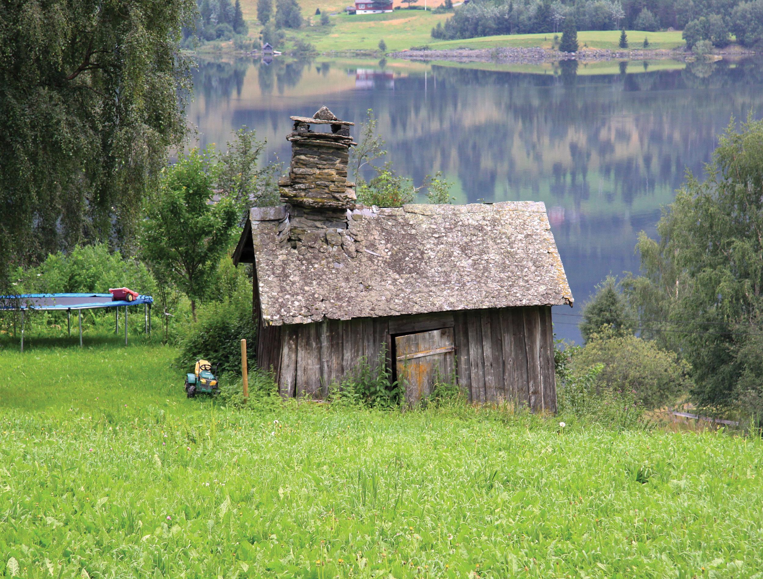 Mange gårder hadde egen smie. Det var stadig behov for å reparere og lage deler til redskaper. Vestre Slidre, Oppland. Foto: Kari Stensgaard, NIBIO