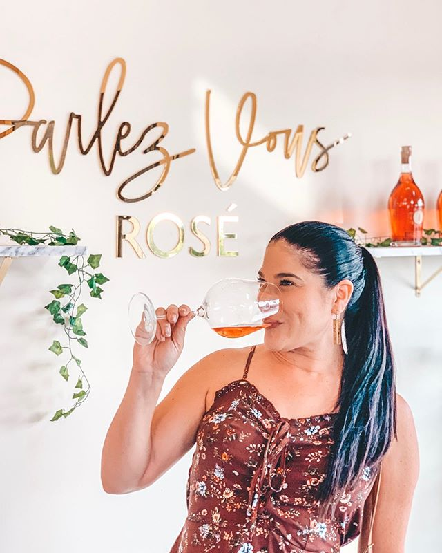 Parlez vous rosé on #internationalroséday ???? (insert non existent rosé emoji) 🙋🏻‍♀️ Akash winery is now open daily from 11am - 6pm Daily tastings 11am - 5pm with glasses of wine and bottle sales only after 5pm. Best part, the Sky Lounge is open from 5pm-9pm on Friday's and Saturday's! Reservations highly recommended.  Have you visited @akashwinery ?