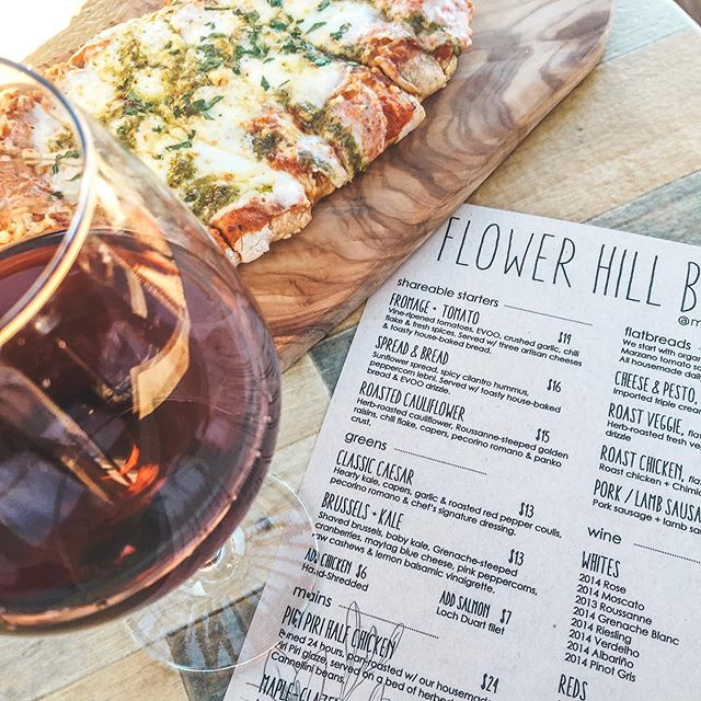 Lately I've been creating blog post's to answer some of the most common questions I get asked.  One of those questions and recent blog post is Where to Eat in Temecula Wine Country?? With all the amazing options in dining, I've created a small list of 17 restaurants located at wineries in Temecula Wine Country. Link in bio! Let me know which is your favorite if you're been to Temecula! @miramontewinery