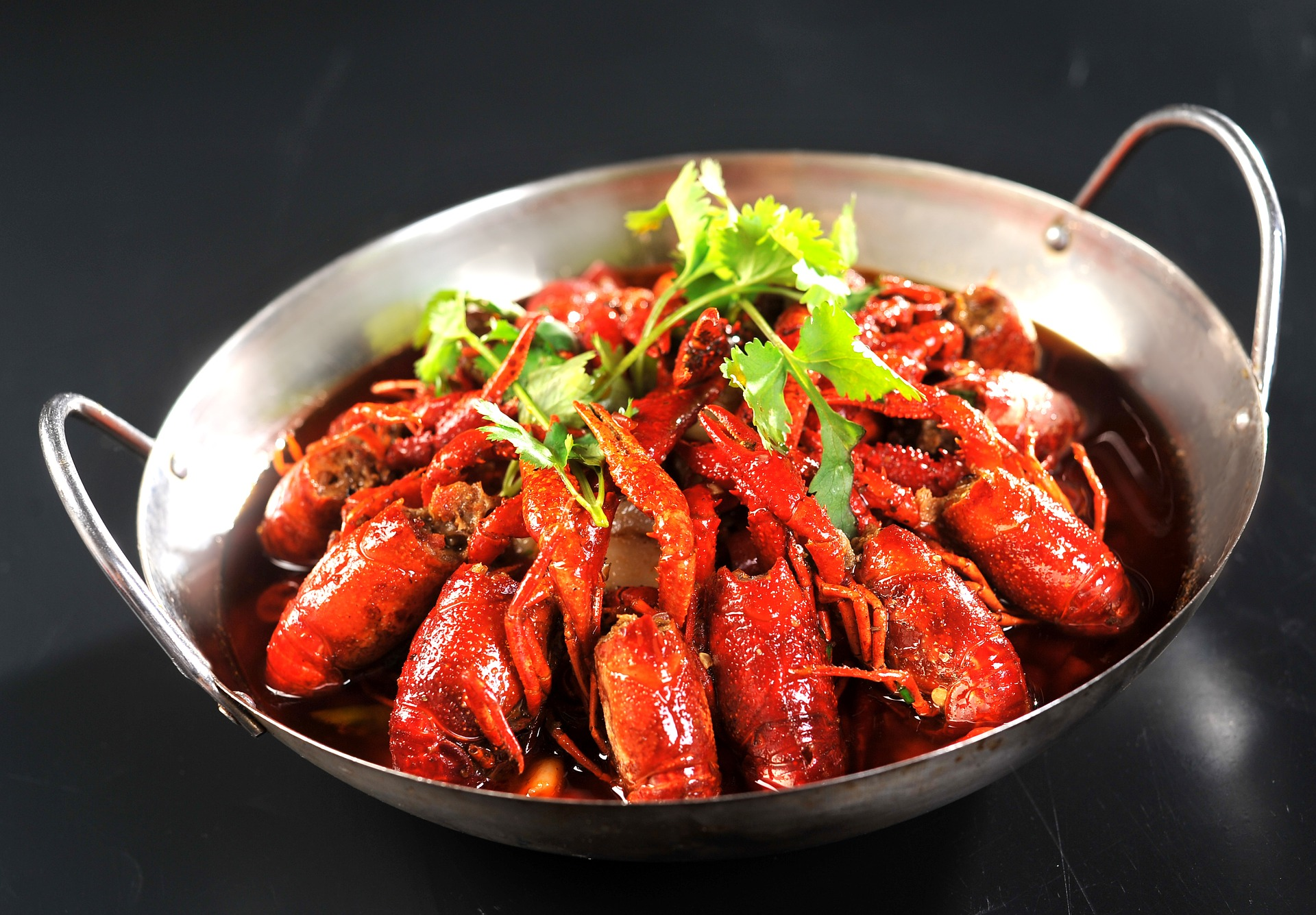 Food - Hunan cuisine is one of the handful of regional cuisines recognised as distinct and traditional in their own right. Hot peppers are the star of the show, and nearly always paired with garlic, shallots and seasonal produce. Fresh, exciting and bold, this is food that well and truly rivals China's best.