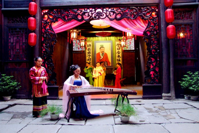 The heart of China - As well as visiting some of China's most cherished and spectacular cities and sights, with this unique tour you'll get to know Hunan province- the heart of China. Hunan is only just being discovered by Chinese tourists, so you'll be the envy of all you know back home in years to come when you can say you've been there.